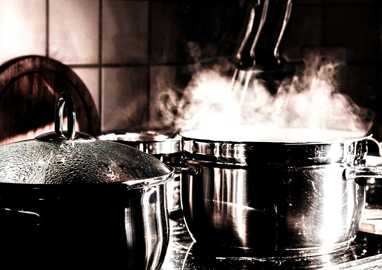 Orion – garnki. Niezbędne wyposażenie kuchni.